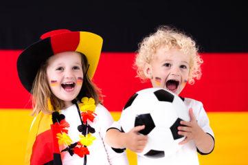 """德国人为什么世界杯时才爆发""""爱国""""?"""