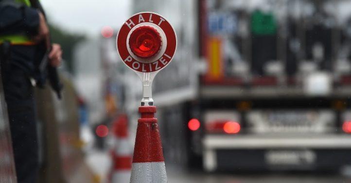 德多市接获炸弹威胁 警方疏散市政府