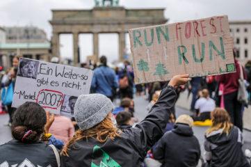 德大学生改变立场 批环保者只求政治正确