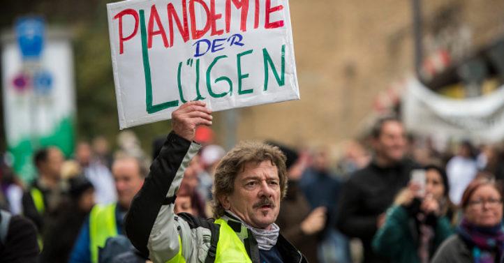 核酸测试决定疫情?德国律师质疑防疫措施