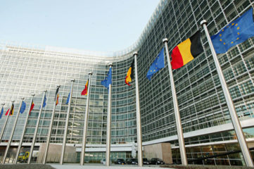 """欧盟叫停欧中协议 人权政治家称赞""""新气象"""""""