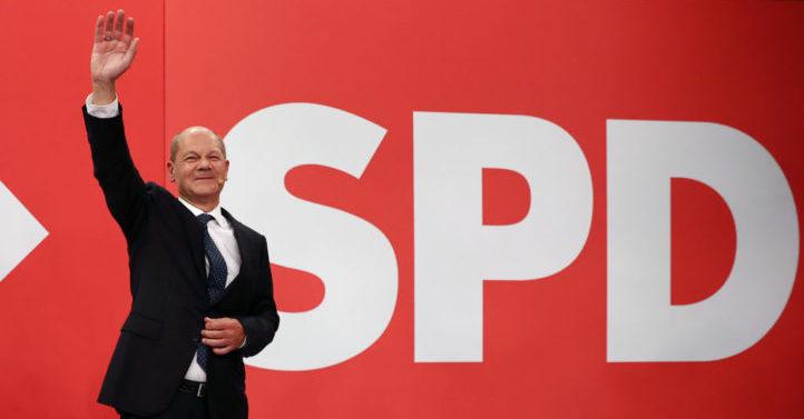 德国大选:默克尔所属党跌至历史最低点